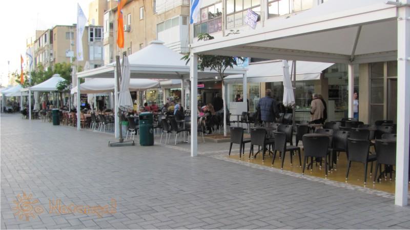 Caffes in Netanya on Hertsel street